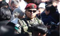 Uno de los militares que resguardan al presidente Alejandro Giammattei. (Foto Prensa Libre: Raúl Juárez)