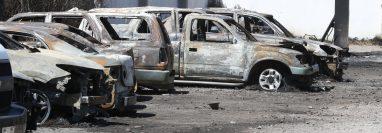 El predio de automóviles que se quemó el sábado 22 de febrero en Xela fue clausurado provisionalmente por el Ministerio Público. (Foto Prensa Libre: Mynor Toc)