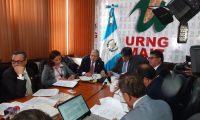 Funcionarios de la SAAS durante citación en el Congreso. (Foto Prensa Libre: Dulce Rivera).