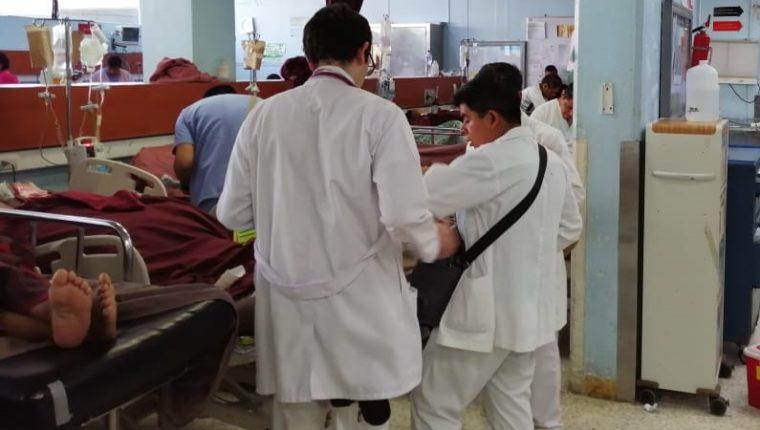 El horario de los estudiantes externos en los hospitales escuela se modificará, para que tengan más tiempo para estudiar. (Foto Prensa Libre: Hemeroteca PL)