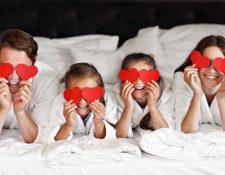 Celebre el amor en familia con actividades en casa y fortalezca los lazos afectivos. (Foto Prensa Libre: Servicios).