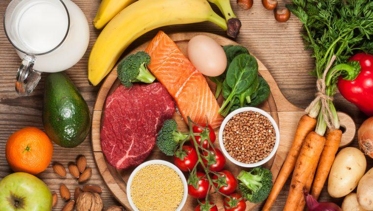 Para una buena digestión, incluya todos los grupos de los alimentos en su dieta. (Foto Prensa Libre: Servicios).