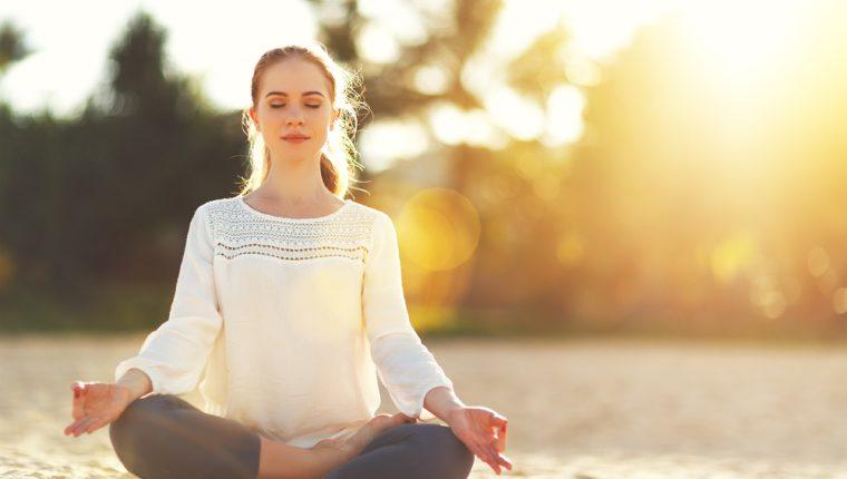 Aprenda a tener conciencia del presente por medio de la meditación. (Foto Prensa Libre: Servicios).