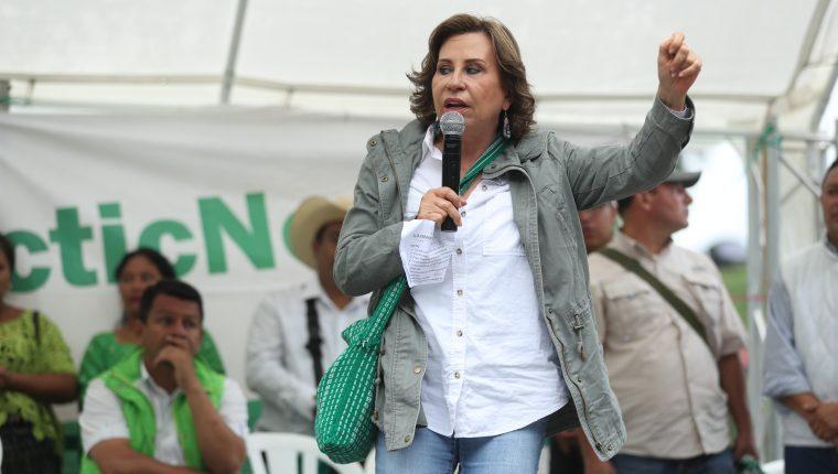 La excandidata presidencial de la UNE, Sandra Torres, en un mítin electoral    en Tactic, Alta Verapaz.                                                                                        (Foto HemerotecaPL)