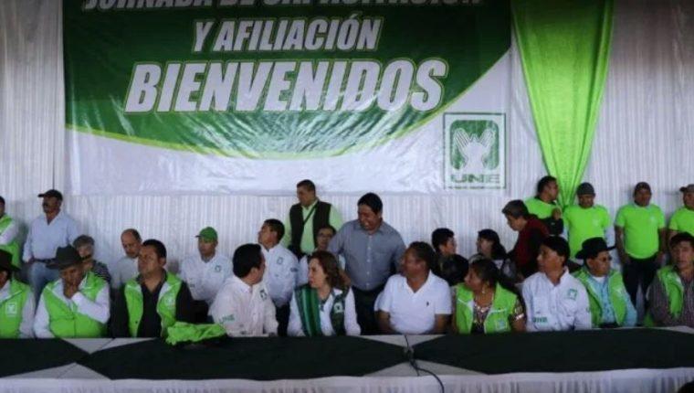 Una jornada de afiliación durante la campaña electoral de 2019 de la UNE. (Foto Prensa Libre: Hemeroteca PL)