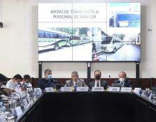 En la Instancia de Jefes de bloque cada ministerio intervino explicando de lo necesario que era la ampliación presupuestaria. (Foto Prensa Libre: Congreso)