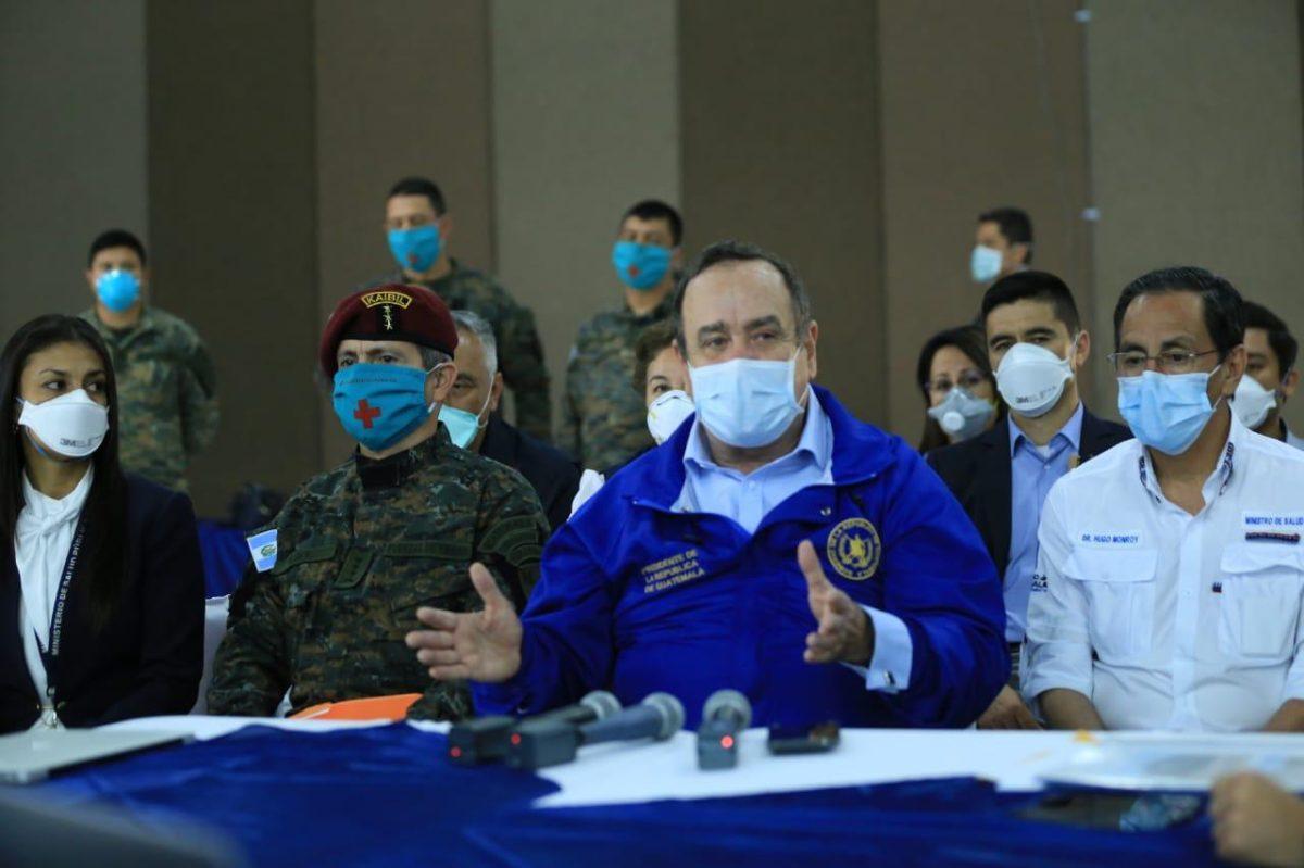 Coronavirus: Por qué el presidente Alejandro Giammattei se hizo prueba de covid-19