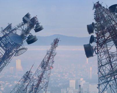 Con la incorporación de la tecnología 5G se verán cada vez más torres de antenas repetidoras. GETTY IMAGES