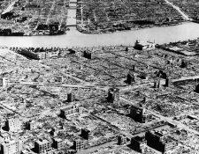 Mil 700 toneladas de bombas fueron lanzadas sobre la ciudad de Tokio la noche del 9 de marzo de 1945. GETTY IMAGES