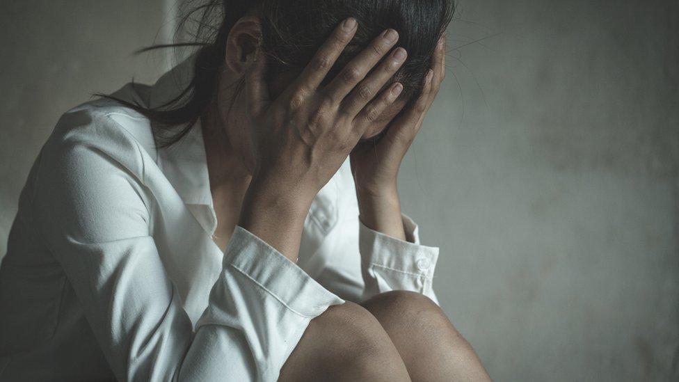 Coronavirus: la preocupación por las víctimas de violencia de género que tienen que convivir en cuarentena con su agresor (y dónde buscar ayuda)
