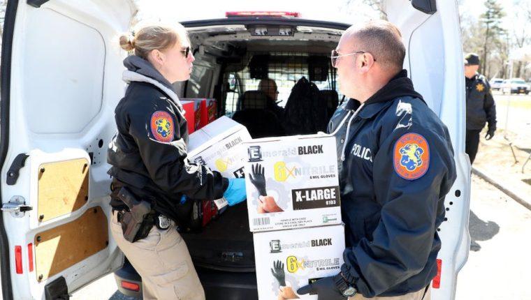 El condado de Nassau, en Nueva York, organizó una campaña de donación de equipos médicos. GETTY IMAGES