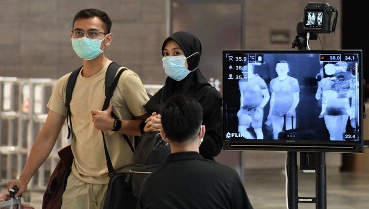 Los controles para la detección de covid-19 en Singapur comienzan desde el Aeropuerto Internacional Changi. GETTY IMAGES