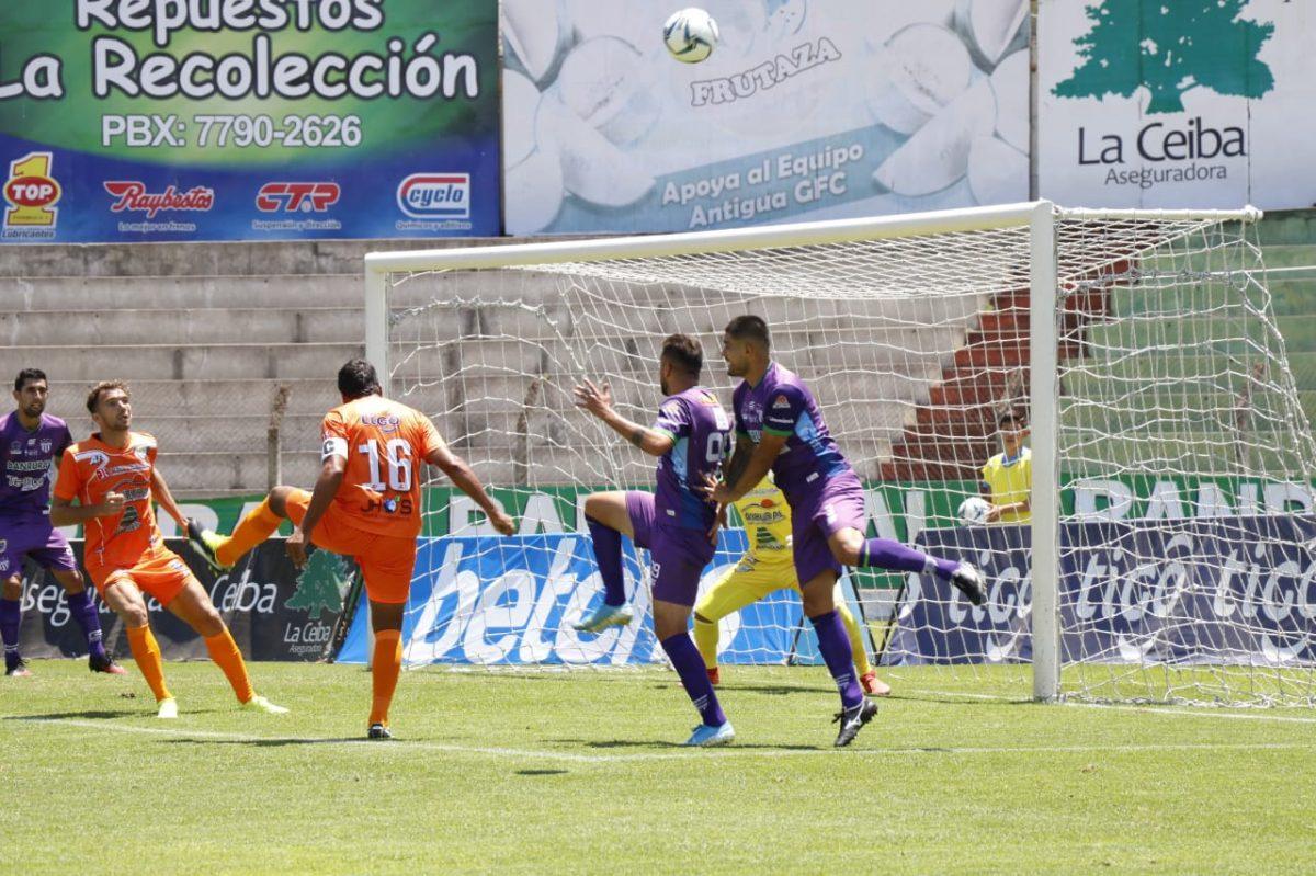 Sindicato de Futbolistas de Guatemala denuncia deudas, imposiciones y reducción de salarios