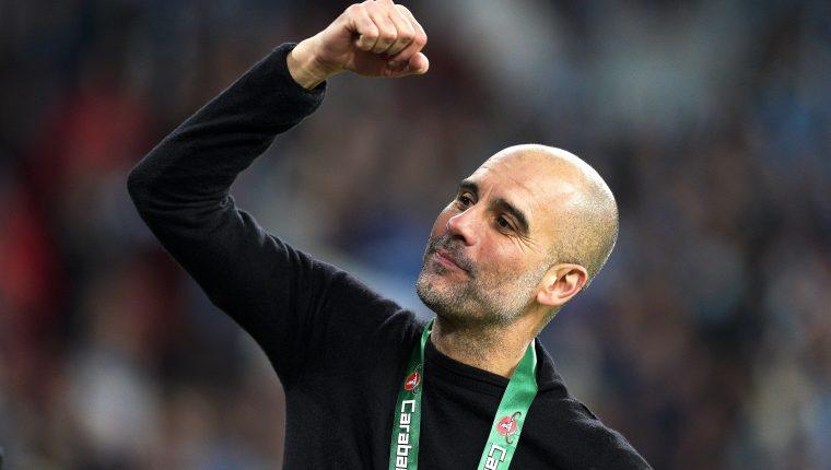 El entrenador español Pep Guardiola se ha unido a la lucha contra el covid-19. (Foto Prensa Libre: EFE)