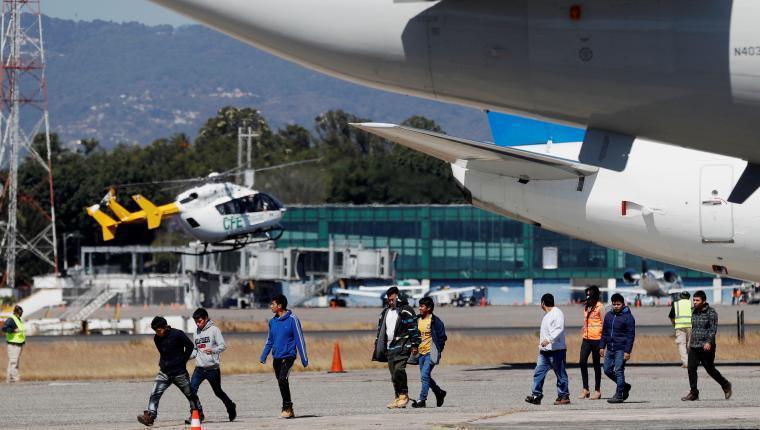 Gran parte de los contagios ha venido al país por guatemaltecos que han sido deportados de EE. UU. (Foto Prensa Libre: Hemeroteca PL)