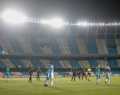 Los equipos continúan esperando volver a jugar la Libertadores. (Foto Prensa Libre: EFE)