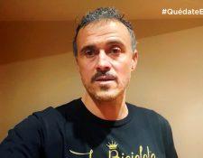 El seleccionador español de fútbol, Luis Enrique Martínez, en una campaña de concienciación ante el Coronavirus #QuédateEnCasa. (Foto Prensa Libre: EFE)