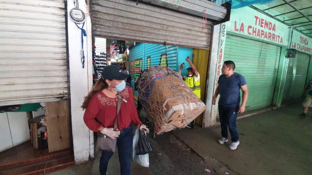 El mercado de Puerto Barrios, Izabal, fue cerrado por la municipalidad. Foto Prensa Libre: Dony Stewart