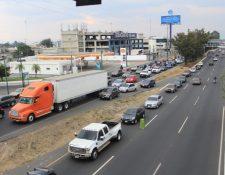 Varios factores complicaron el tránsito esta tarde en la ciudad de Guatemala. Foto Prensa Libre: Byron García