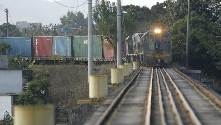 Metro Riel: Giammattei afirma que entrega de administración de Ferrovías no pasará al Congreso