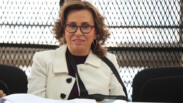 Sandra Torres buscaría permiso de un juzgado de alto impacto para regresar a reuniones políticas, según sospecha de diputados del bloque UNE. Fotografía: Prensa Libre.