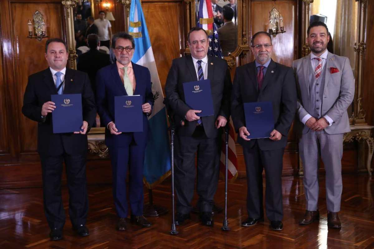 Guatemala firma convenio con la FAA en busca de recuperar la categoría 1