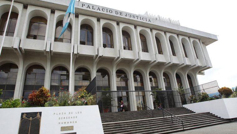 El OJ informó que algunos servicios en línea seguirán habilitados. (Foto Prensa Libre: Hemeroteca)