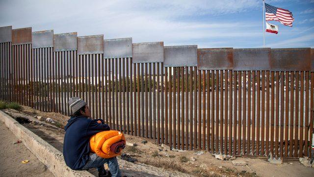Migrantes quedan desamparados ante cierre de albergues por miedo a coronavirus