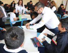La campaña busca informar a los estudiantes y padres de familia sobre el riesgo del coronavirus. (Foto Prensa Libre: Ministerio de Educación).