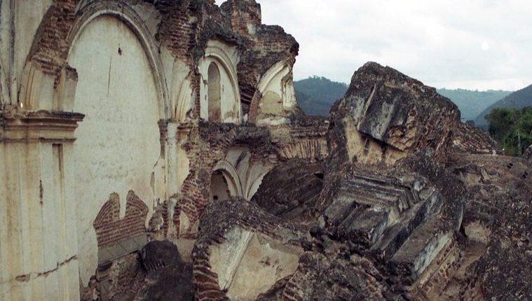 Terremotos en el siglo XVIII destruyeron la actual Antigua Guatemala. (Foto Prensa Libre: Hemeroteca PL)