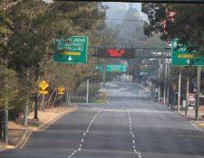 La agencia de calificación de riesgo-país Fitch Ratings cambio la nota para Guatemala de BB a BB-que estaría enfocada a un menor crecimiento económico este año por los efectos del coronavirus en el país y una menor carga tributaria. (Foto Prensa Libre: Hemeroteca)