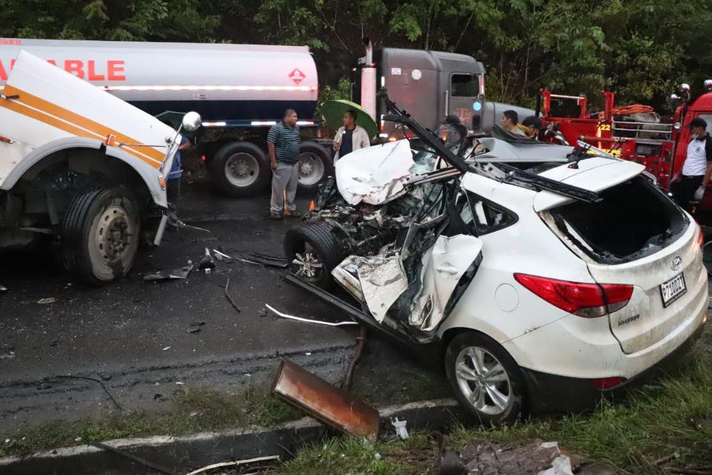 Familia rusa muere en percance automovilístico en ruta al Atlántico
