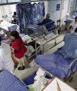Los estudiantes de Medicina de Usac temen contagios por covid-19. (Foto Prensa Libre: Carlos Hernández)