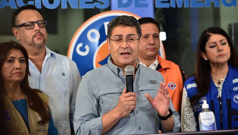 El presidente Juan Orlando Hernández confirmó los primeros casos y anunció las medidas de prevención. (Foto Prensa Libre: AFP)