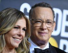 La pareja Tom Hanks y Rita Wilson se contagiaron de coronavirus en Australia y actualmente permanecen aislados. (Foto Prensa Libre: AFP)