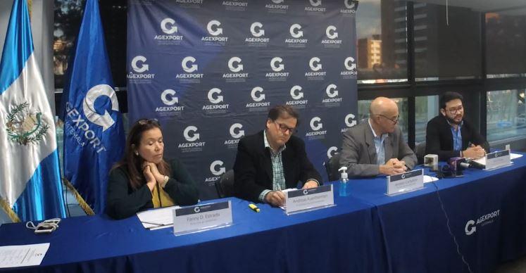 Directivos de Agexport, plantearon una estrategia para sobrellevar el impacto económico del covid-19 en Guatemala. (Foto Prensa Libre: Cortesía)