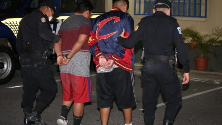 Las personas que después de las 16 horas sean sorprendidas en las calles serán capturadas por no respetar el toque de queda. (Foto Prensa Libre: PNC).