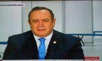 Giammattei dio a conocer el nuevo caso de coronavirus en una entrevista a CNN. (Foto Prensa Libre)