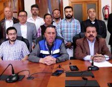 Al concluir la sesión de Concejo brindó una conferencia de prensa. (Foto Prensa Libre: captura de pantalla)
