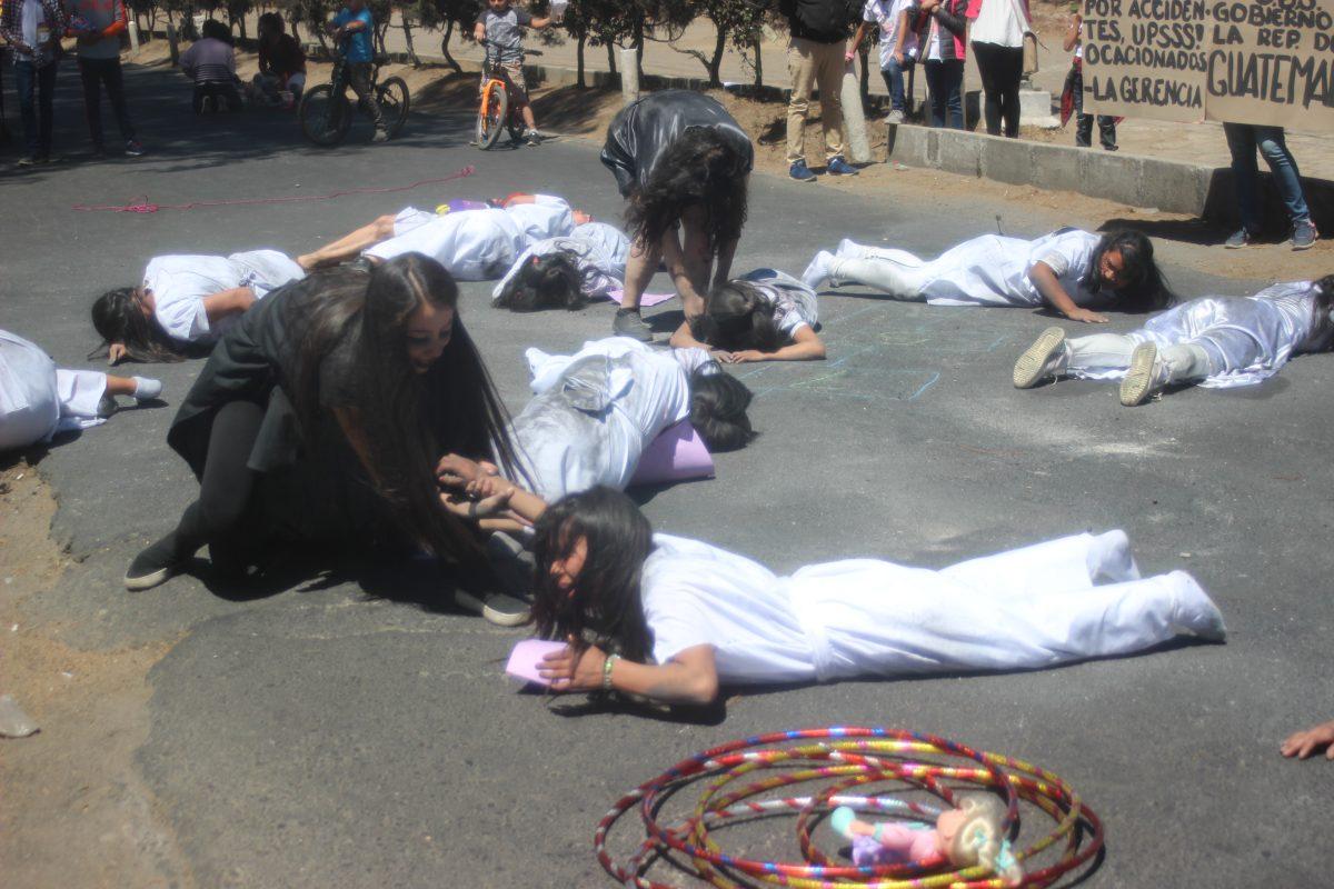 Día de la Mujer: Colectivos de Xela recuerdan a las víctimas del Hogar Seguro