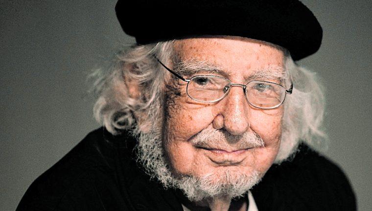 El poeta nicaragüense Ernesto Cardenal murió el sábado, a los 95 años, por un fallo cardíaco. (Foto Prensa Libre, Hemeroteca).