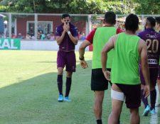 José Carlos Martínez se emocionó tras haber anotado el gol del triunfo. (Foto Prensa Libre: Carlos Paredes)