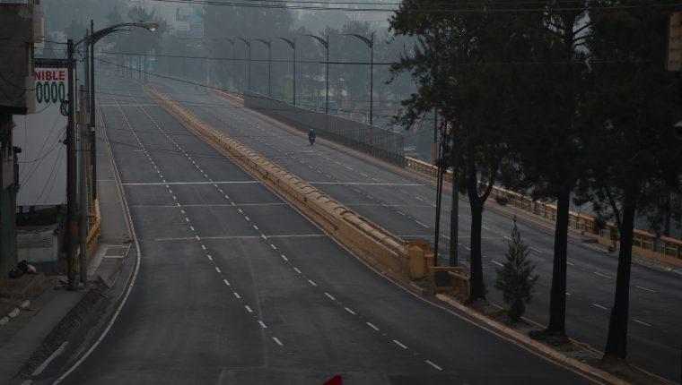 Las autoridades de Gobierno consideran que no podría haber un nuevo cierre de actividades como al principio de la pandemia en Guatemala, pero mantienen vigilancia y focalización de los casos. (Foto Prensa Libre: Hemeroteca)