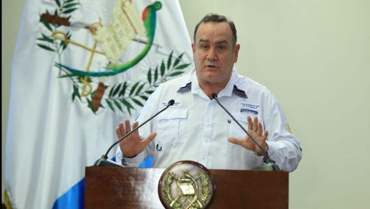 El presidente Alejandro Giammattei anunció que se pedirá al Congreso la aprobación de un préstamo de Q11 mil millones para atender a las personas afectadas por la crisis causada por el covid-19. (Foto Prensa Libre:)