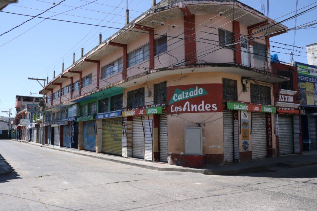 Los comercios de de varios departamentos han cerrado para evitar el contagio del Coronavirus. (Foto Prensa Libre: Mike Castillo)
