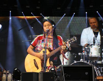 """Sara Curruchich se presentó el pasado 7 de marzo en el concierto """"Tiempo de Mujeres"""", que se celebró en el Zócalo de la Ciudad de México. (Foto Prensa Libre: cortesía Sara Curruchich)."""
