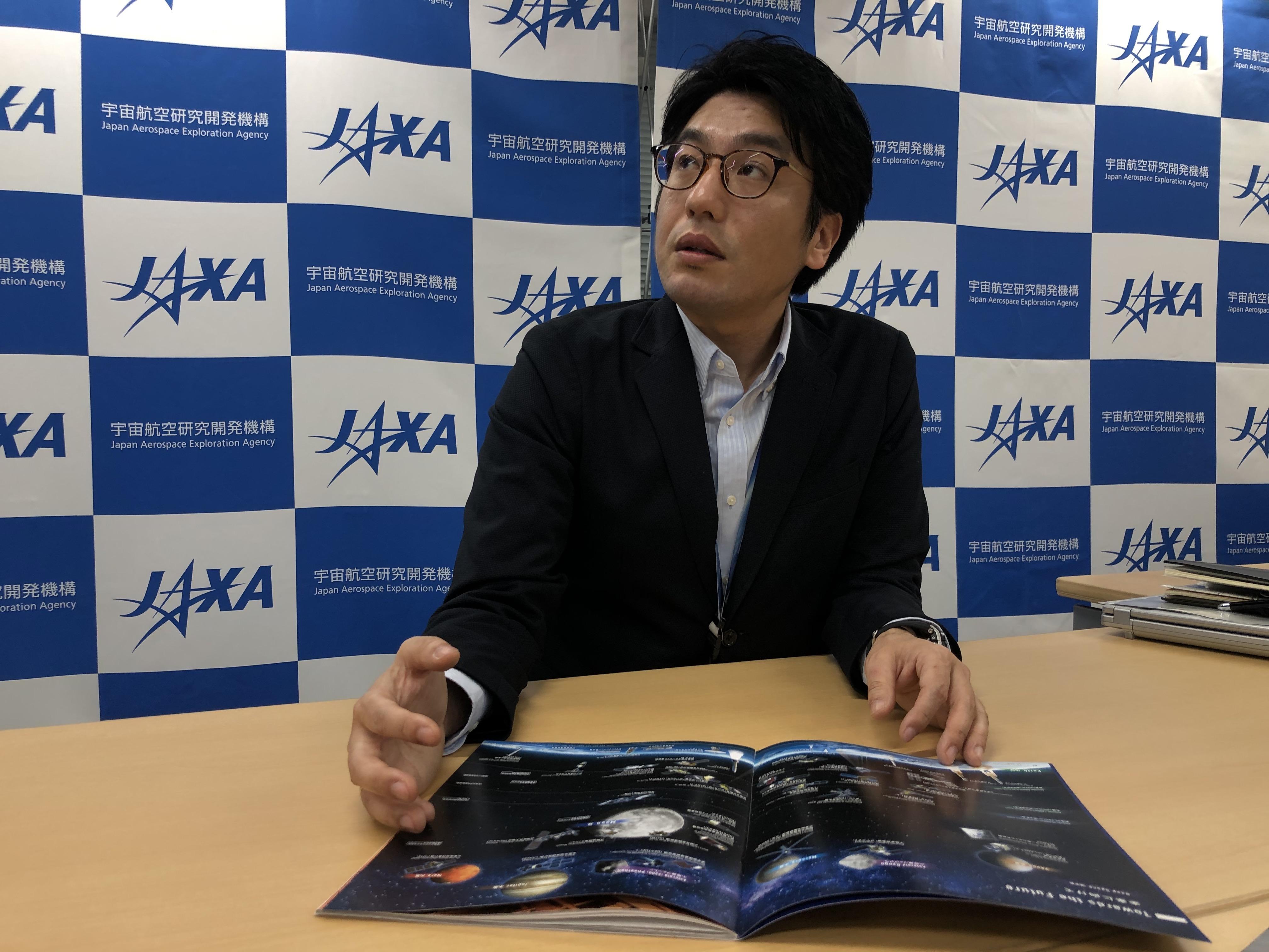 Masayuki Goto es el ingeniero de JAXA que, aunque no ha visitado Guatemala, es la persona que más conoce sobre el proyecto del Quetzal-1. (Foto Prensa Libre: Daniel Guillén Flores)