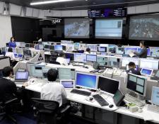 Sala de controles y monitoreo de la Agencia Japonesa de Exploración Espacial -JAXA- en Tsukuba. (Foto Prensa Libre: Japan Aerospace Exploration Agency)