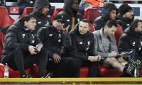 Liverpool (United Kingdom), 11/03/2020.- Liverpool manager Juergen Klopp (C) talks to his coaching staff during the UEFA Champions League Round of 16, second leg match between Liverpool FC and Atletico Madrid in Liverpool, Britain, 11 March 2020. (Liga de Campeones, Reino Unido) EFE/EPA/PETER POWELL
