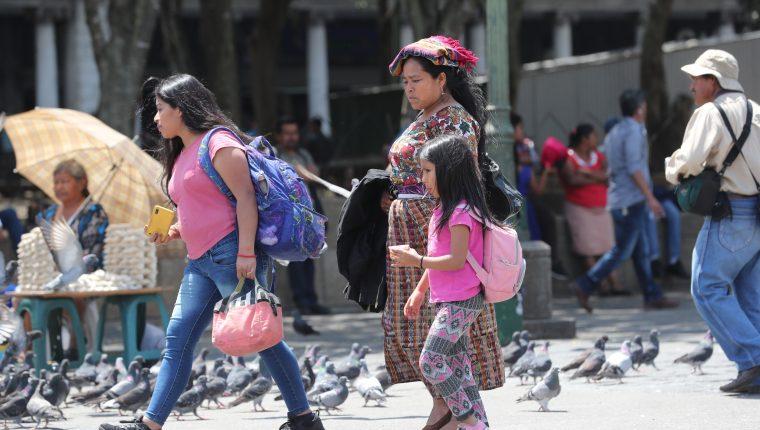 La escritora Carol Zardetto reflexiona sobre la violencia de género y sus consecuencias. (Foto ilustrativa Prensa Libre: Érick Ávila)